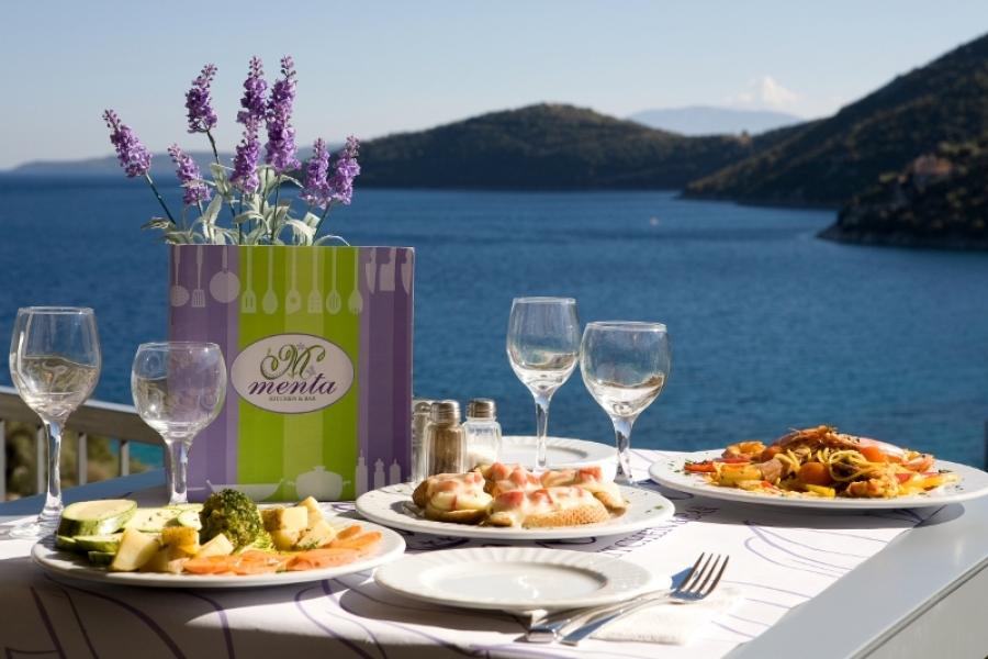 Lefkada Poros Beach Restaurant Menta